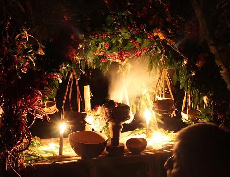 Altar_ceremonia_maya