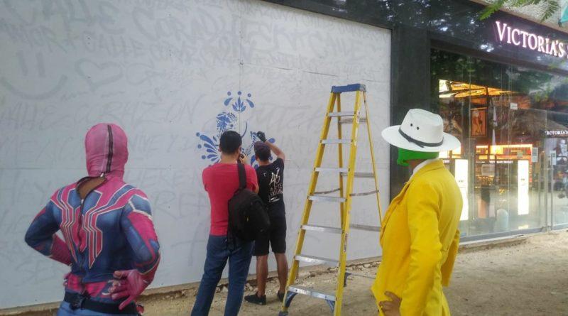 Grupo Mexicool realizó el el mural Ho' Ponopono con el artista Dutek Pacheco en la 5ta Avenida de Playa del Carmen.