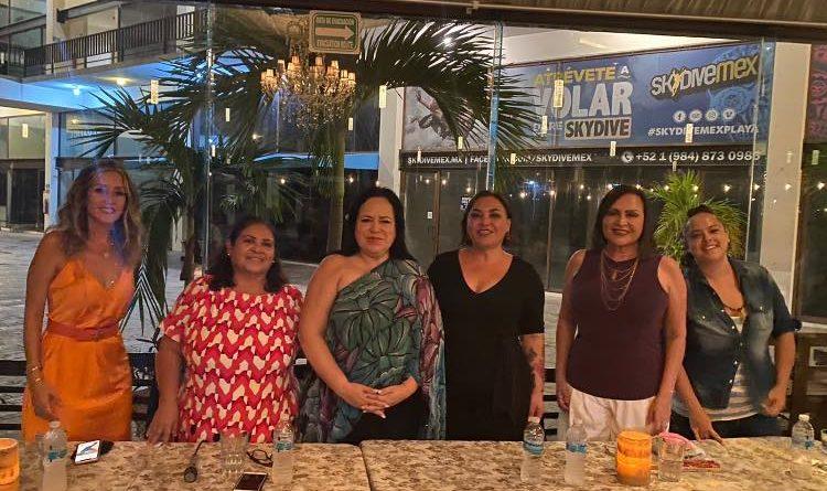 Conversatorio entre Mujeres en Playa del Carmen.